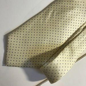 Van Heusen 417 Yellow Polka Dot Tie